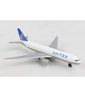 United Airlines Boeing 777 Single Plane