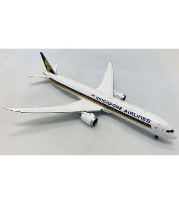 Singapore Airlines Boeing 787-10 1:400 Flaps Down
