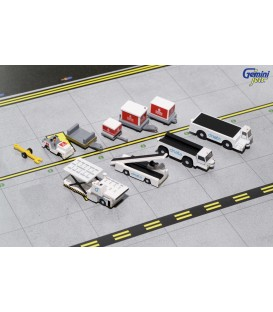 Emirates Airport Support Equipment with Tugs 1:200